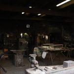 Pietro e la storica bottega di fabbro familiare in città Alta