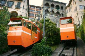 Bergamo Shopping Funicolare per raggiungere Città Alta Bergamo
