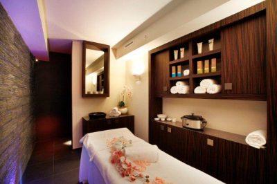 Massaggio alle candele trattamenti benessere Spa La Cascade